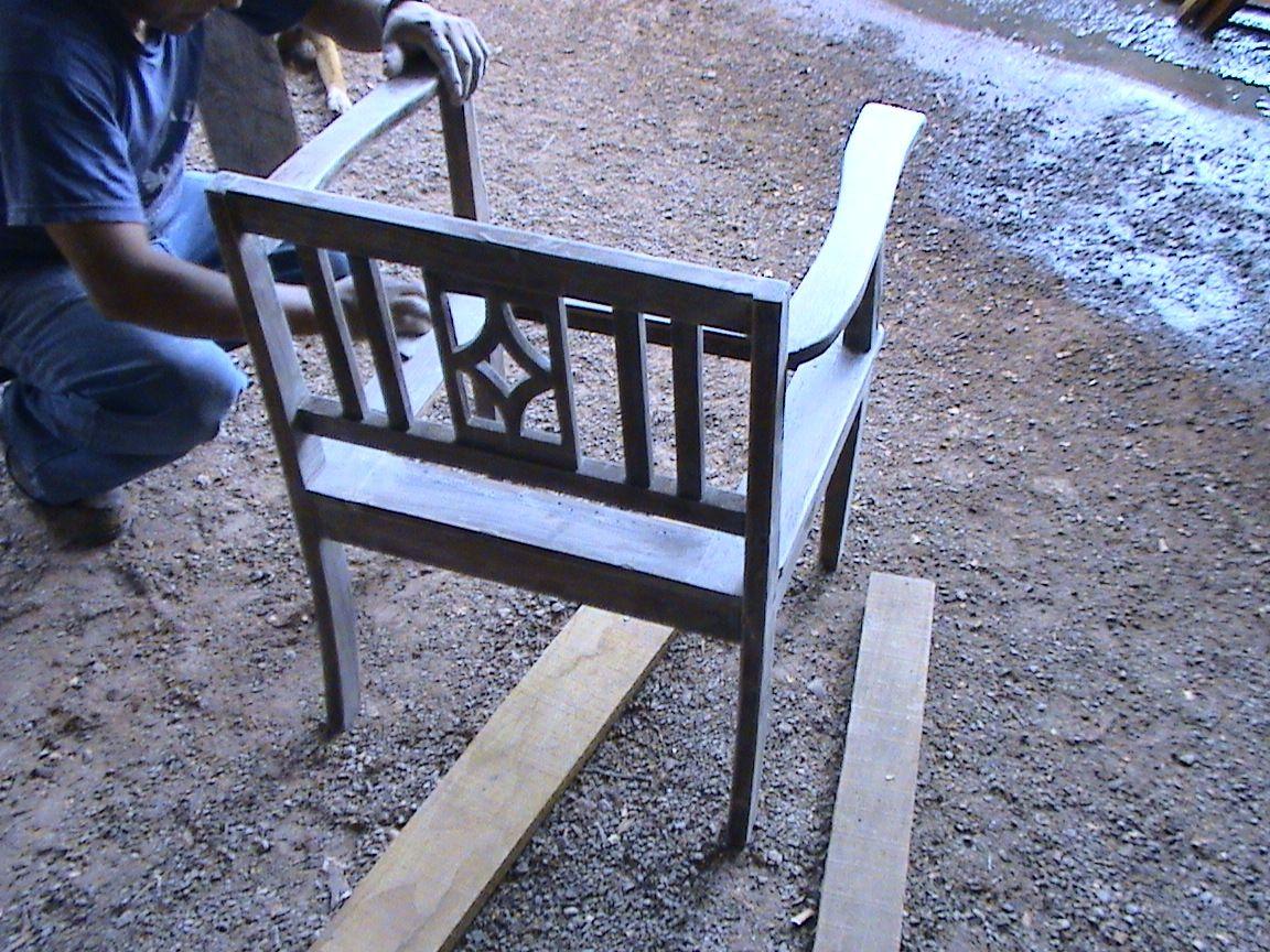 Como reparar un mueble viejo en color nogal muebleriashalom - Como arreglar un sofa viejo ...