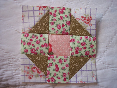 Free Churn Dash Quilt Pattern