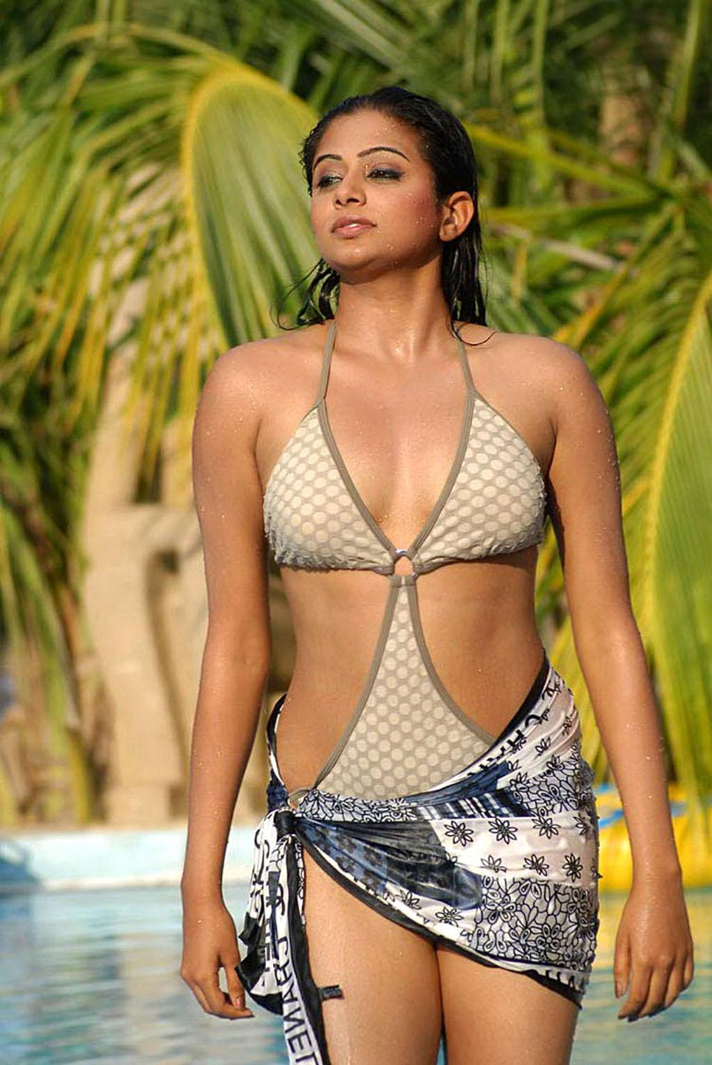 Actress Priyamani Hot Sizzling Unseen