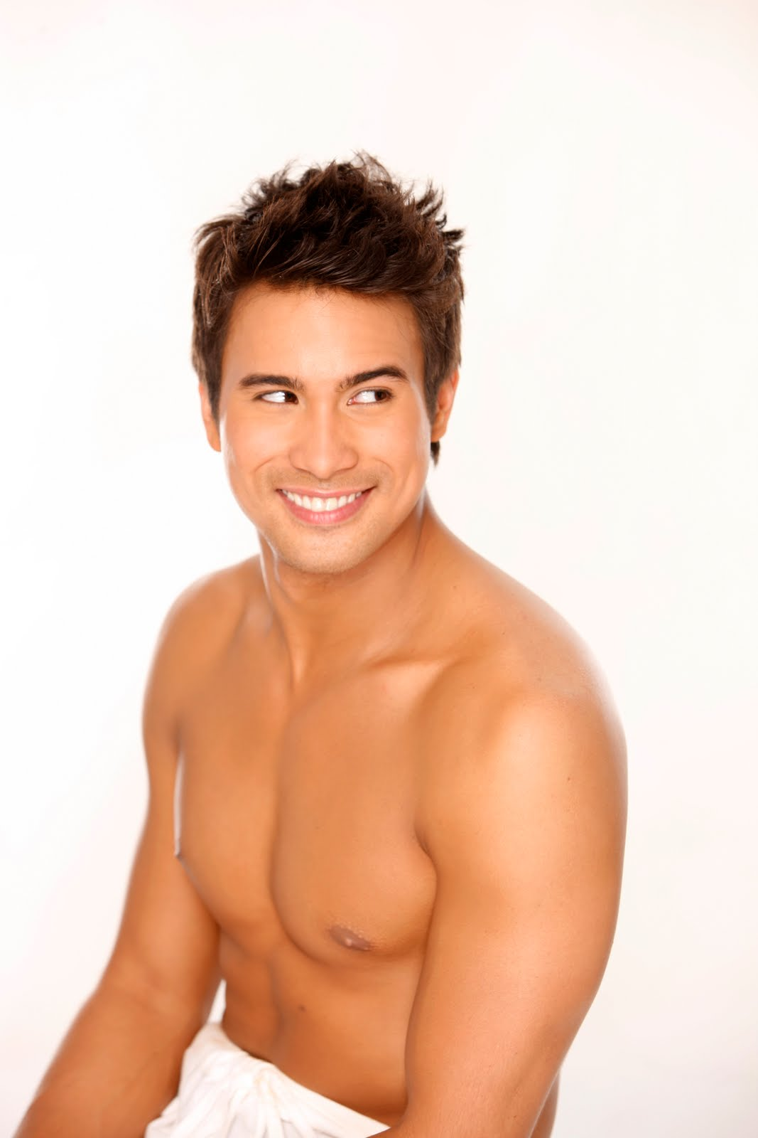 piolo pascual naked