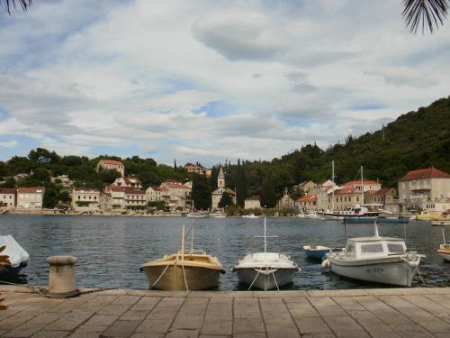 Slike HR - slike iz Hrvatske: Račišće, otok Korčula