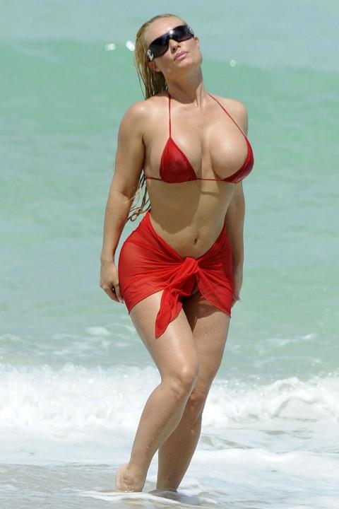 Nude big boob relatives girl