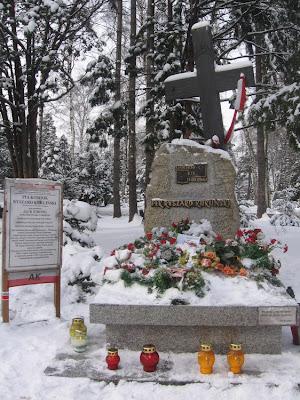 Grób pułkownika Kuklińskiego