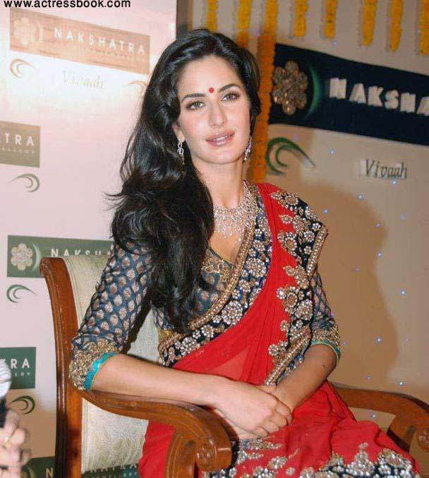 Stunning Look Bollywood Queen Katrina Kaif Latest Red -3764