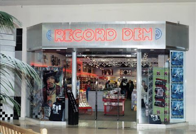 Record Den's final Great Lakes Mall incarnation.