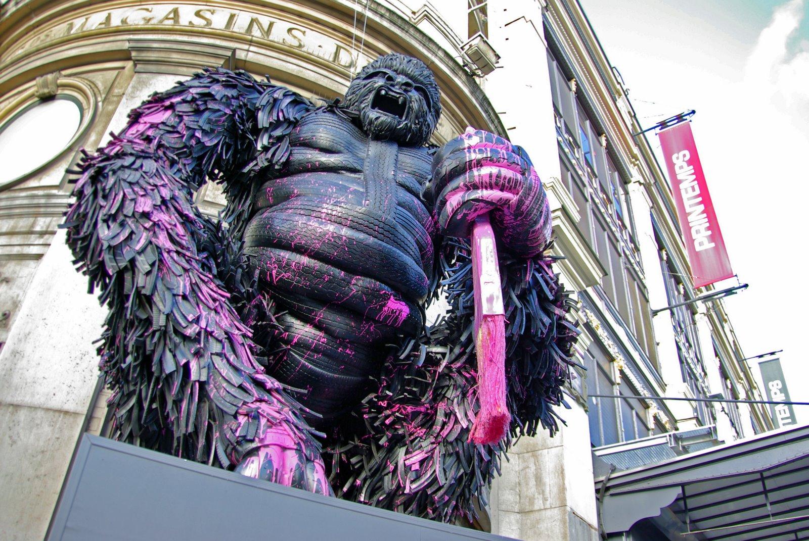 ParisDailyPhoto: King Kong in Paris