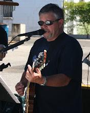 Mike Toombs (photo)