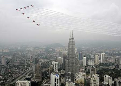 Image result for red arrows in kl