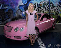 Galeria de fotos - Paris Hilton - carro Bentley 3