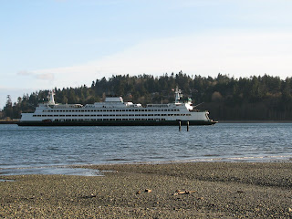 Ferry in Eagle Harbor on Banibridge Island