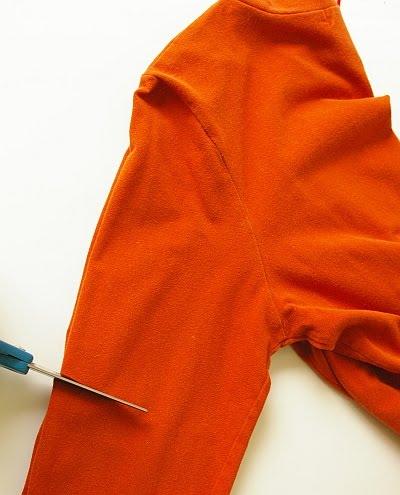 Из старого пуловера - новая кофточка.