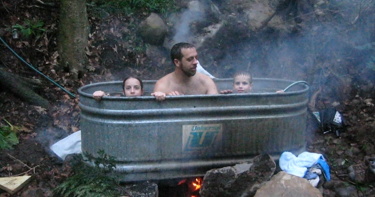 Two Pines Tree House Redneck Hot Tub