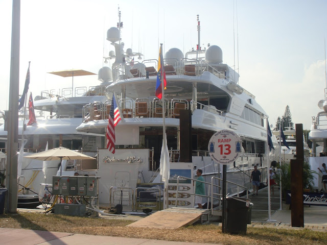 Miami Boat Show, Miami Beach, Elisa N, Blog de Viajes, Lifestyle, Travel, Collins Ave