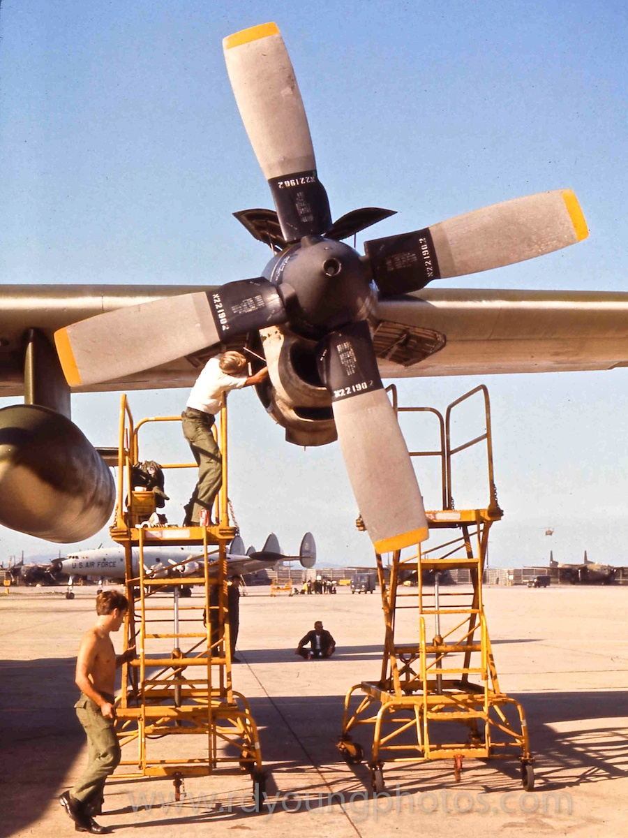 Memoir Vietnam Amp Se Asia 1972 C 130 Turboprop Maintenance