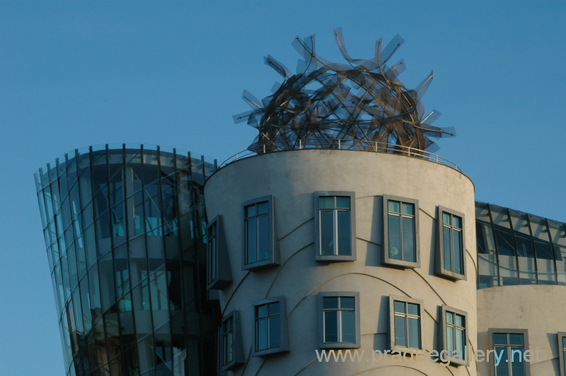 Justin Lee Arch1390 Case Study Frank Gehry S Dancing House