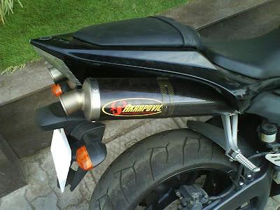 R1 Akrapovic exhaust.jpg