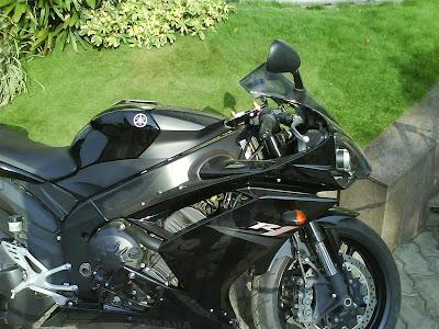 Yamaha R1 side.jpg