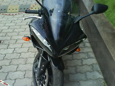 Yamaha R1 front.jpg
