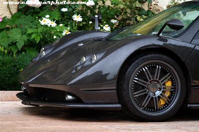 Pagani Zonda carbon fibre.jpg