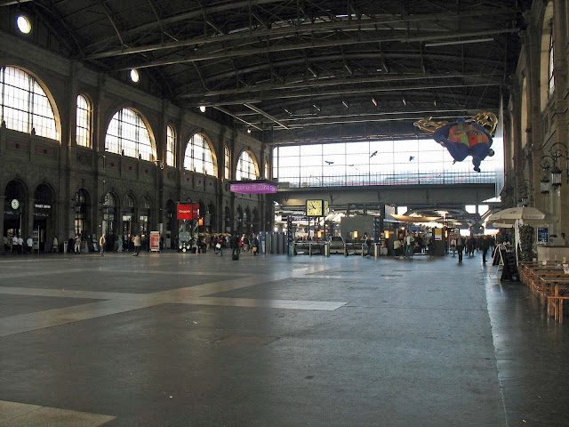 large Zurich station
