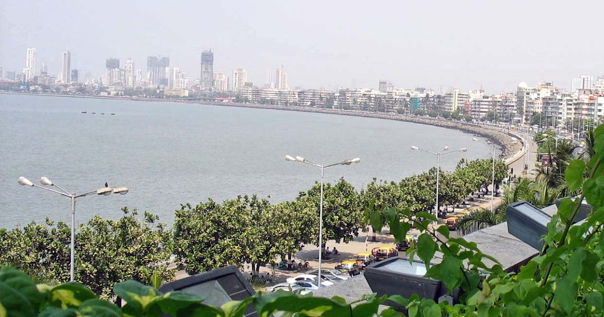Stock Pictures: Marine Drive Mumbai - Photographs and Sketches