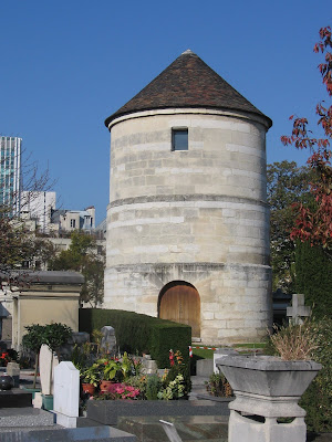On a midday stroll in the Montparnasse Cemetery, I spotted this building  from a distance, and instantly had a feeling of déjà vu that I couldn t  shake. 292cdcb287fe