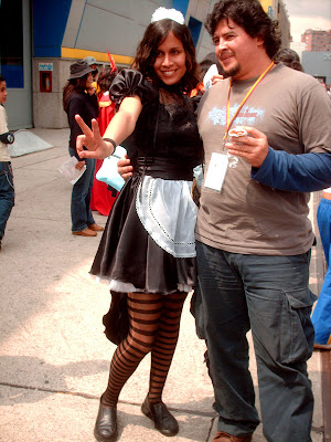 French Maid Cosplay en la Feria del Libro