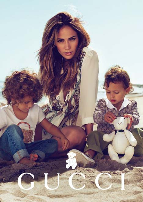 659eb28abdf Jennifer Lopez looked stunning when she arrived at the launch of Gucci  children s collection at Beverly Hills  California this weekend with her  children.