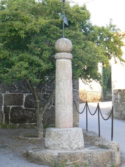 Pelourinho de Mouraz  (Carvalhal)