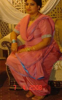 Newly married uk paki girl heena khan blowjob - 2 part 10