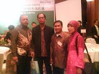 Foto Bersama Dalam Dialog CRI-Elshinta