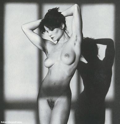 Nude Robert 82