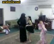 arab-teens-dancing-tn