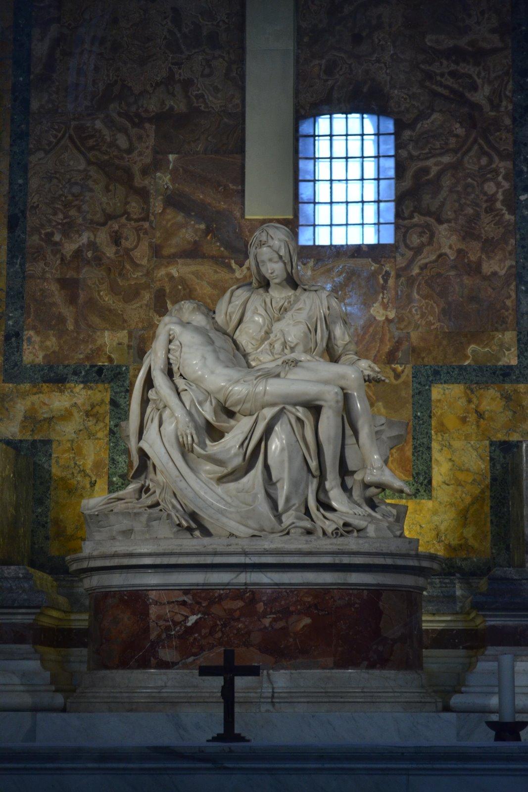 Happy Photogs The La Piata Statue Inside The Vatican