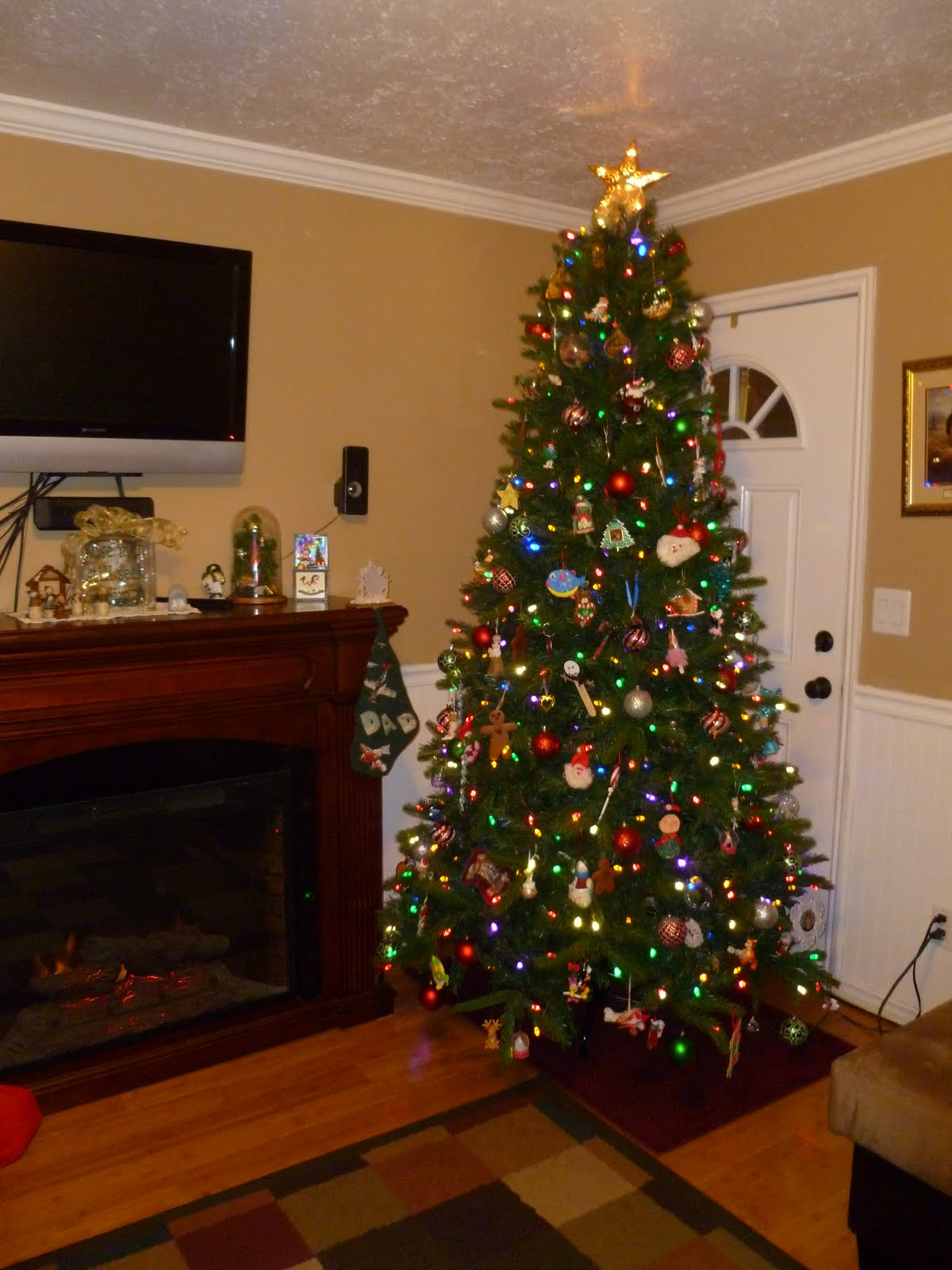 Improvement is my goal, blogging my release: O' Christmas Tree, O' Christmas Tree, How lovely ...