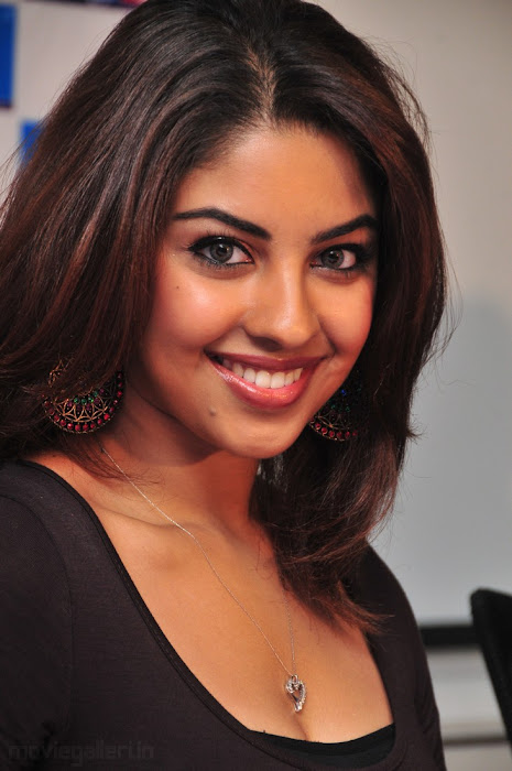 richa gangopadhyay latest photos