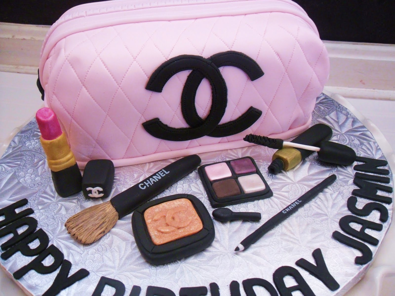 pin chanel cosmetic bag cake flickr photo sharing cake on