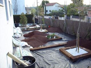 Blog de los aficionados a la jardineria ejemplo de for Jardines con piedra volcanica