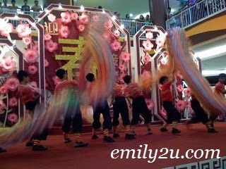 [Video] Wushu Demonstration & Dragon Dance @ Kinta City, Ipoh [CNY 2009]
