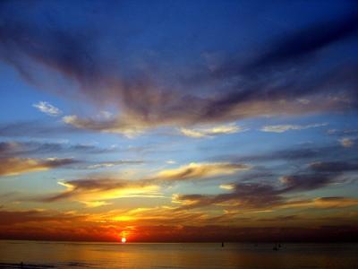 http://bp2.blogger.com/_6b10Tu_oP2A/RrlNHXU6qkI/AAAAAAAAAUA/KOVCLOsurao/s1600/Glorious_Sunset.jpg