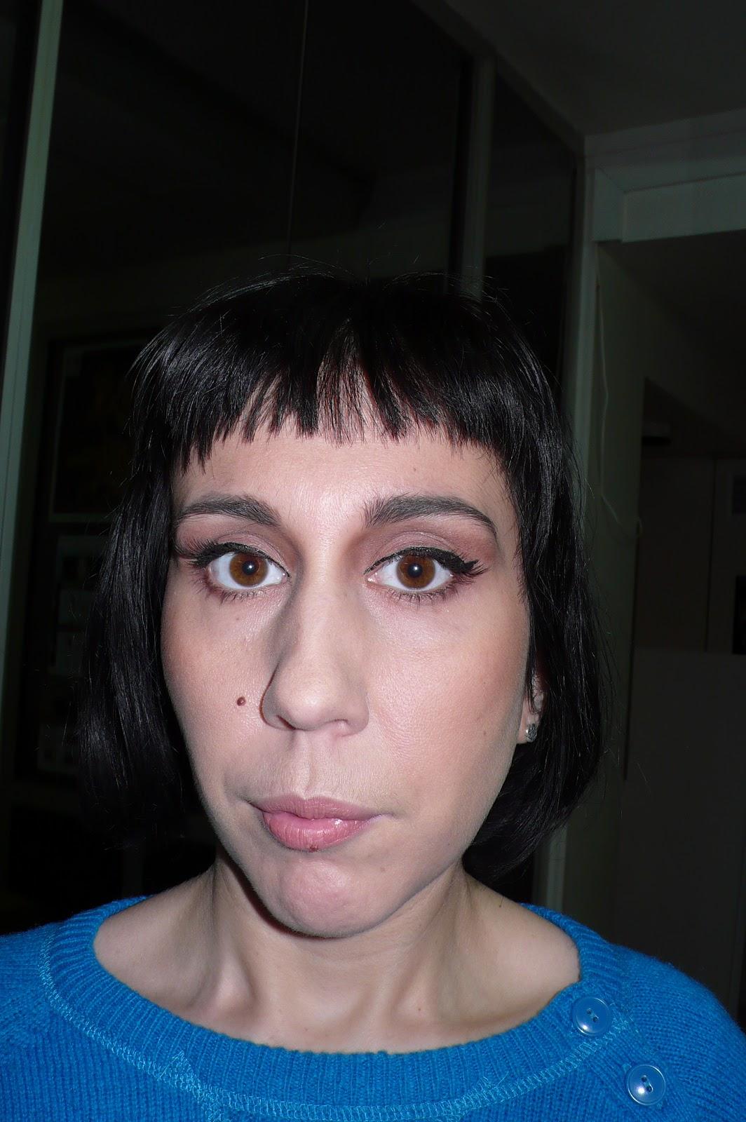 ma vie en beaut maquillage ann es 50 oeil de biche et teint de p che. Black Bedroom Furniture Sets. Home Design Ideas