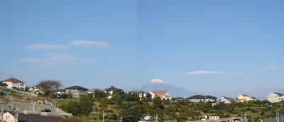 珍しく富士山の傘雲がたくさん