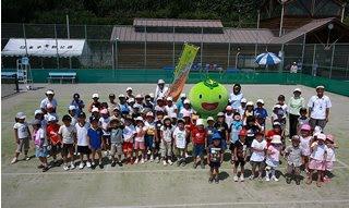 日本平キッズテニス初日の記念写真