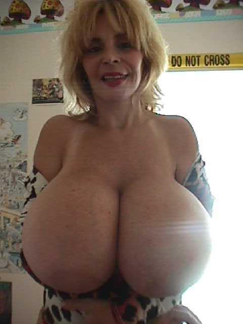 Lesbian Balloon Nude 36