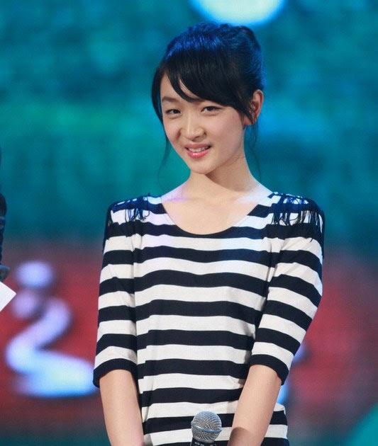 Dongyu Zhou Nude Photos 72