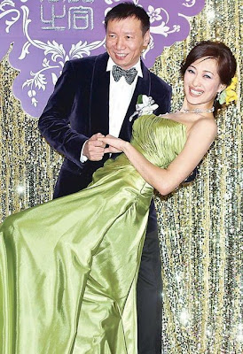 The Same Evening In Taipei 43 Year Old Supermodel Actress Jessey Meng Guang Mei And Her Beijing Investment Baron Fiance Ji Zenghe Held An Engagement