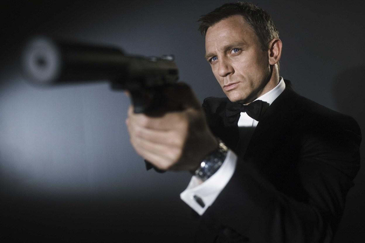 Mobashar's Musings: Jason Bourne vs. James Bond