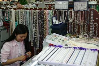 Pearls at Hong Qiao market, Beijing