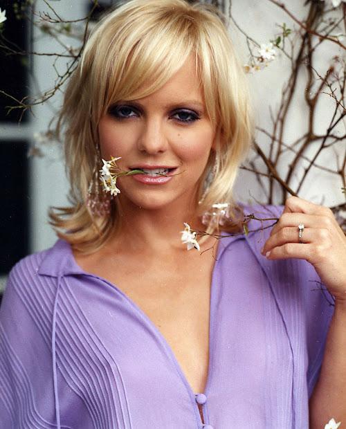 Celebrity Hq Pitcure Anna Faris Sexy