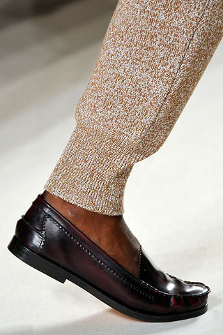 f48bea90ee0 ... perfect pants   bucket bags and now these penny loafers. Forget about  yesterday s sky-high heels